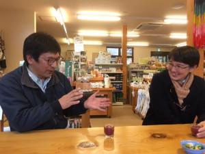 丸森耕野の八島哲郎さんと早川真理さん